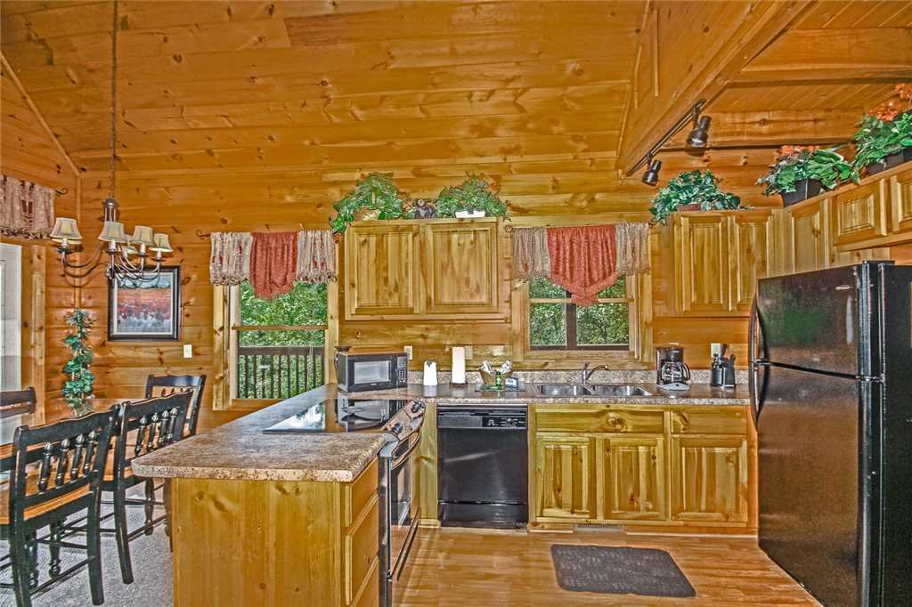Photo of a Pigeon Forge Cabin named Harrison's Hideout - This is the seventh photo in the set.
