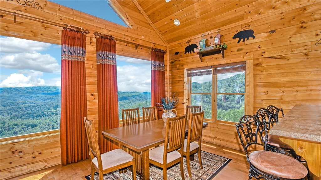 Photo of a Pigeon Forge Cabin named High Expectations - This is the fifth photo in the set.