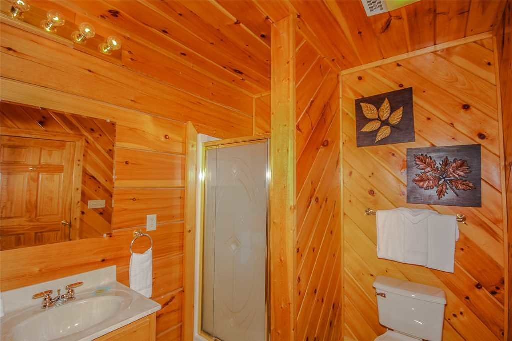 Photo of a Pigeon Forge Cabin named Grand View Lodge - This is the ninth photo in the set.
