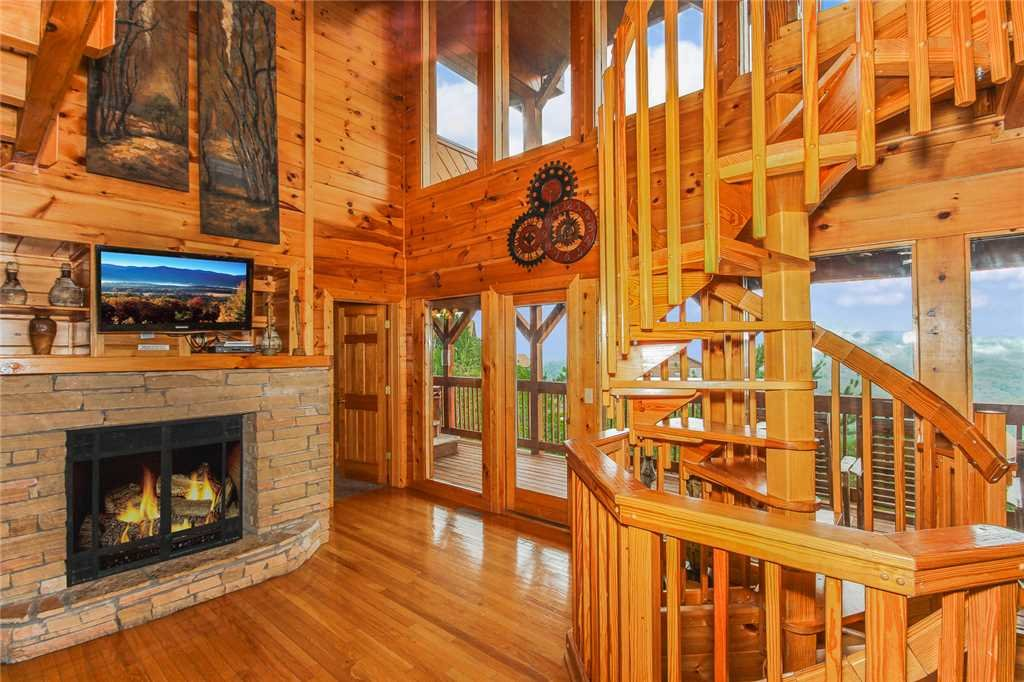 Photo of a Pigeon Forge Cabin named Grand View Lodge - This is the first photo in the set.