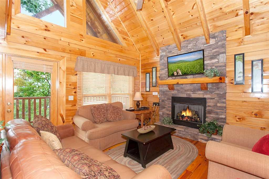 Photo of a Pigeon Forge Cabin named Mountain Dreams At Sherwood Forest - This is the second photo in the set.