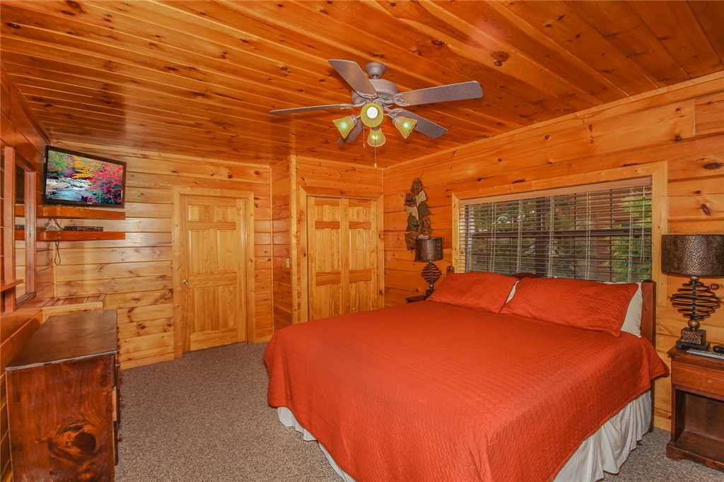 Photo of a Pigeon Forge Cabin named Grand View Lodge - This is the seventh photo in the set.