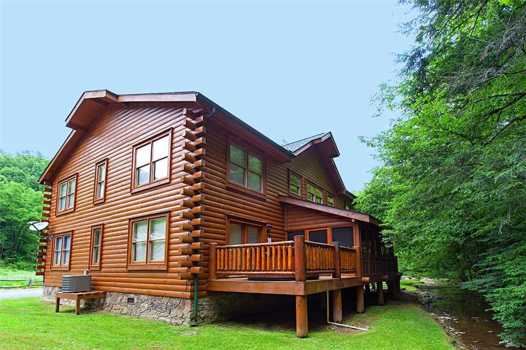 Photo of a Gatlinburg Cabin named Creekside Lodge - This is the thirty-fifth photo in the set.