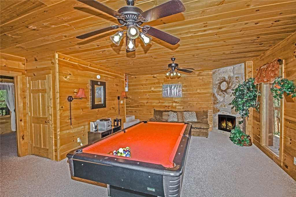 Photo of a Pigeon Forge Cabin named Harrison's Hideout - This is the sixteenth photo in the set.