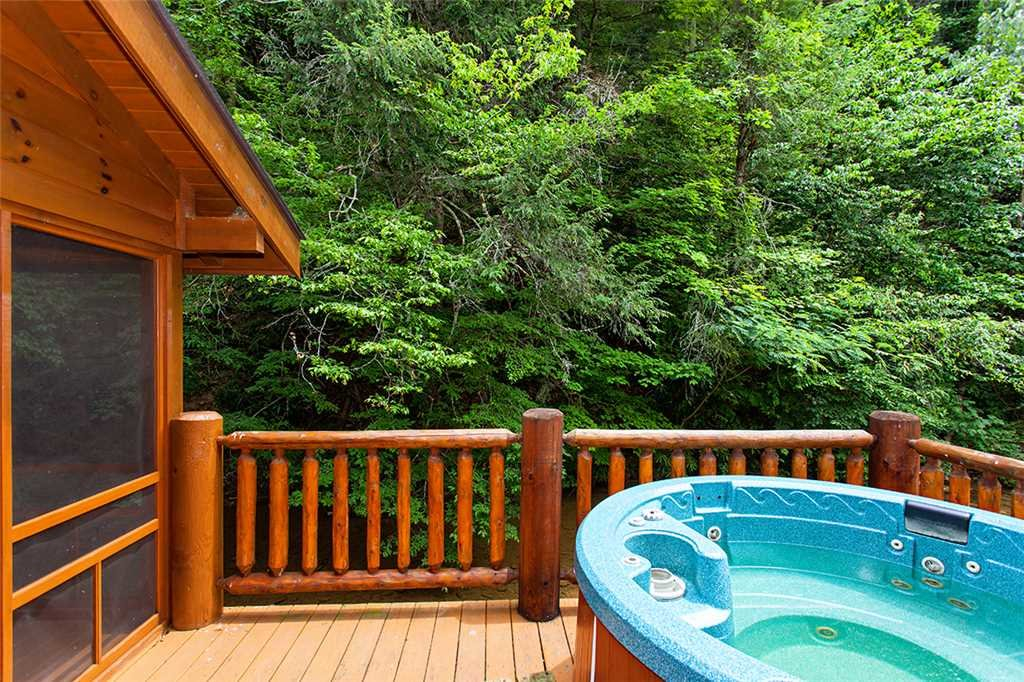 Photo of a Gatlinburg Cabin named Creekside Lodge - This is the twenty-ninth photo in the set.