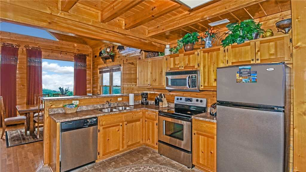 Photo of a Pigeon Forge Cabin named High Expectations - This is the seventh photo in the set.