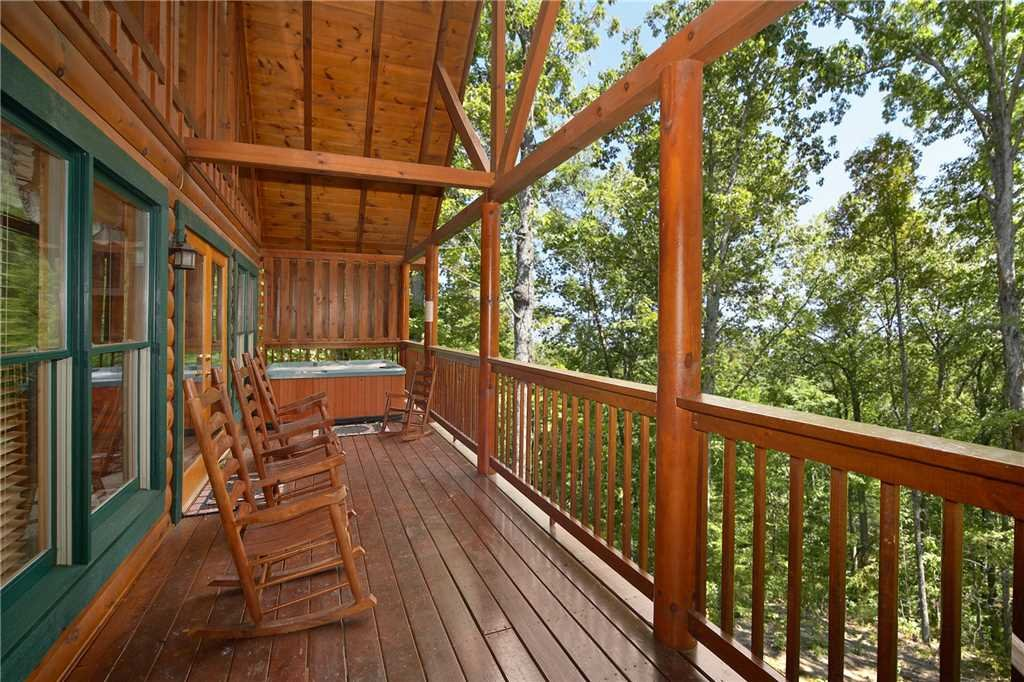 Photo of a Pigeon Forge Cabin named Robin's Rest - This is the twenty-first photo in the set.