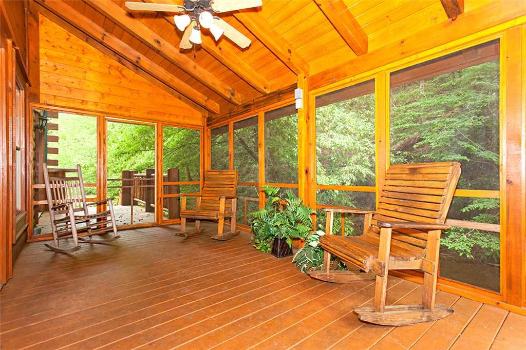 Photo of a Gatlinburg Cabin named Creekside Lodge - This is the twenty-eighth photo in the set.