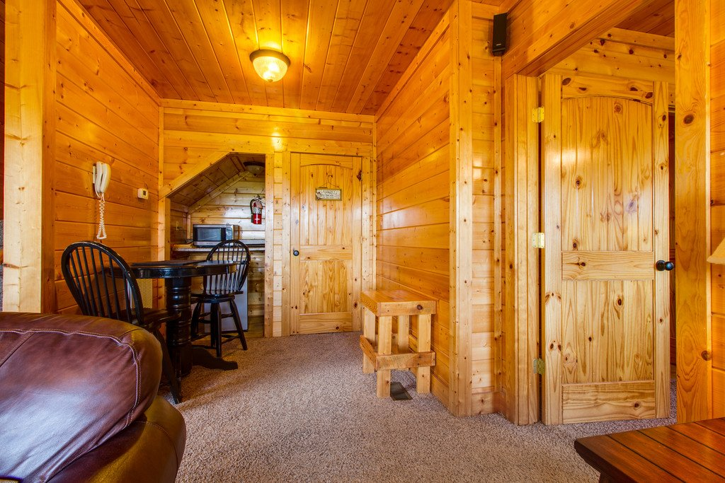 Cub castle in sevierville w 2 br sleeps8 for Castle haven cabins