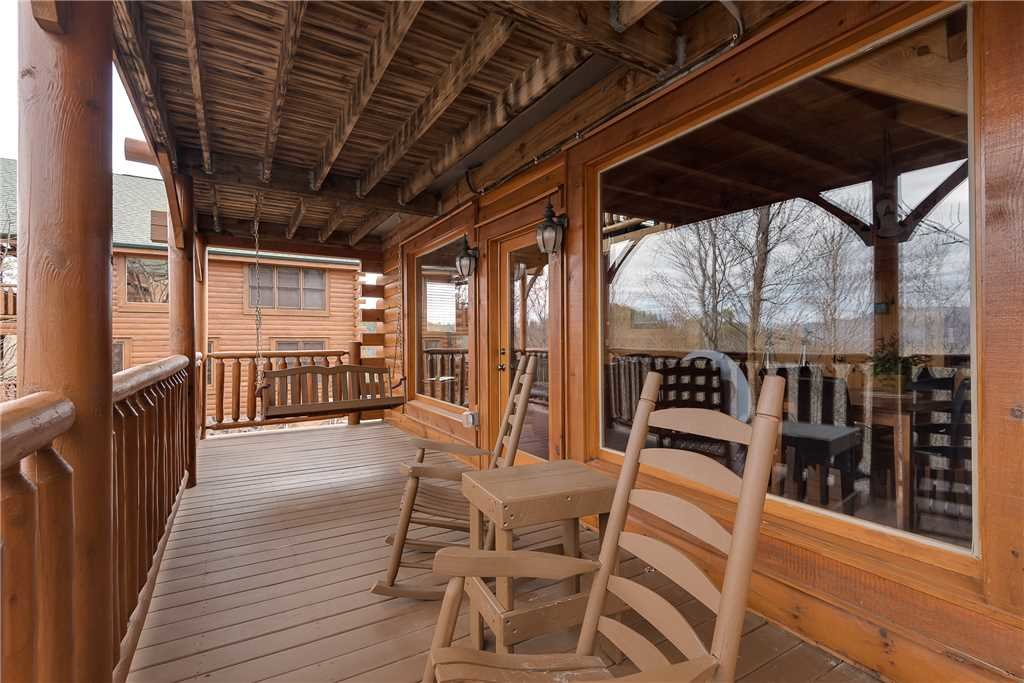 Photo of a Pigeon Forge Cabin named Nature's Paradise - This is the fifteenth photo in the set.