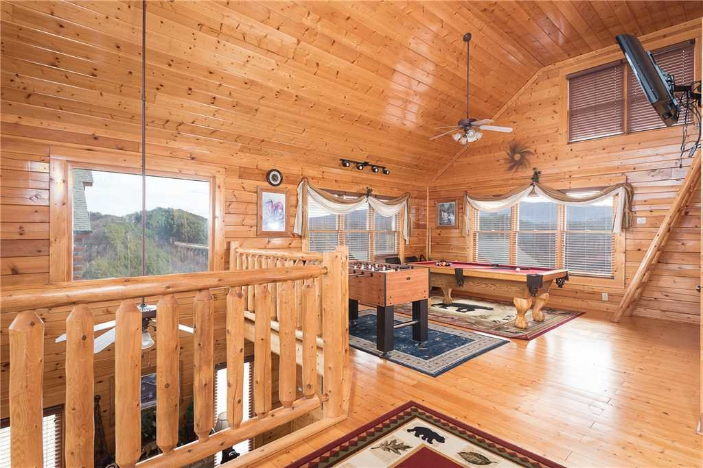 Photo of a Pigeon Forge Cabin named Nature's Paradise - This is the ninth photo in the set.