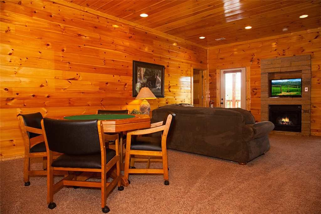 Photo of a Gatlinburg Cabin named Papa Bear - This is the tenth photo in the set.