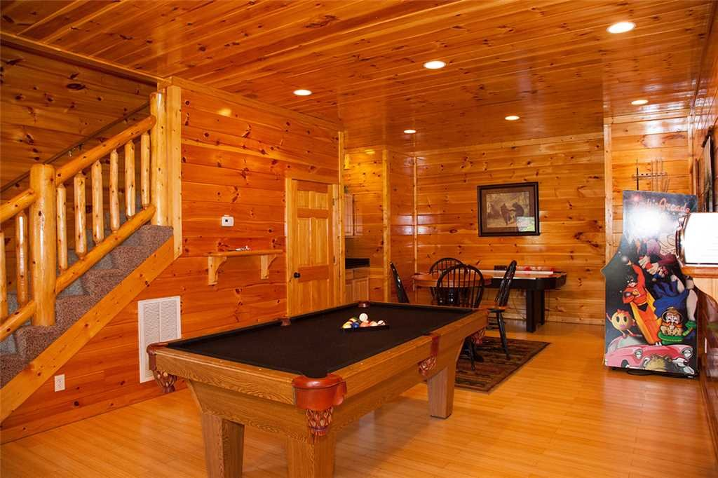 Photo of a Gatlinburg Cabin named Papa Bear - This is the seventh photo in the set.
