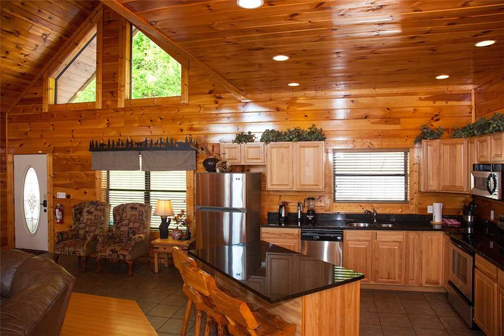 Photo of a Gatlinburg Cabin named Papa Bear - This is the third photo in the set.