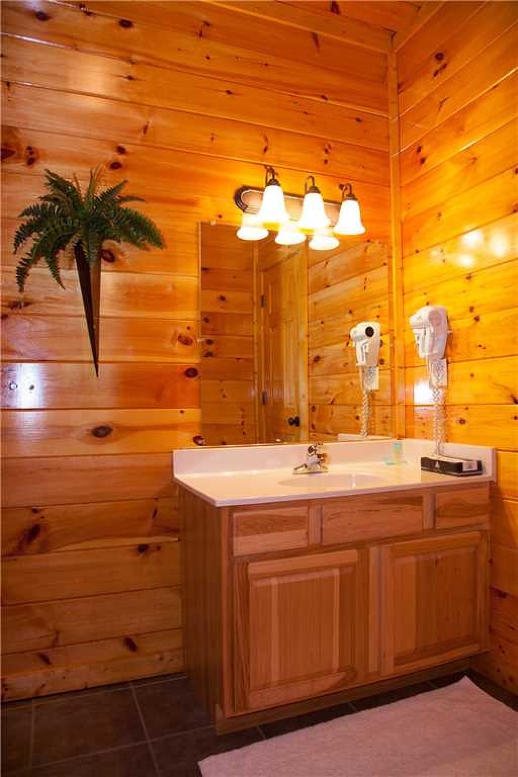 Photo of a Gatlinburg Cabin named Papa Bear - This is the twenty-ninth photo in the set.