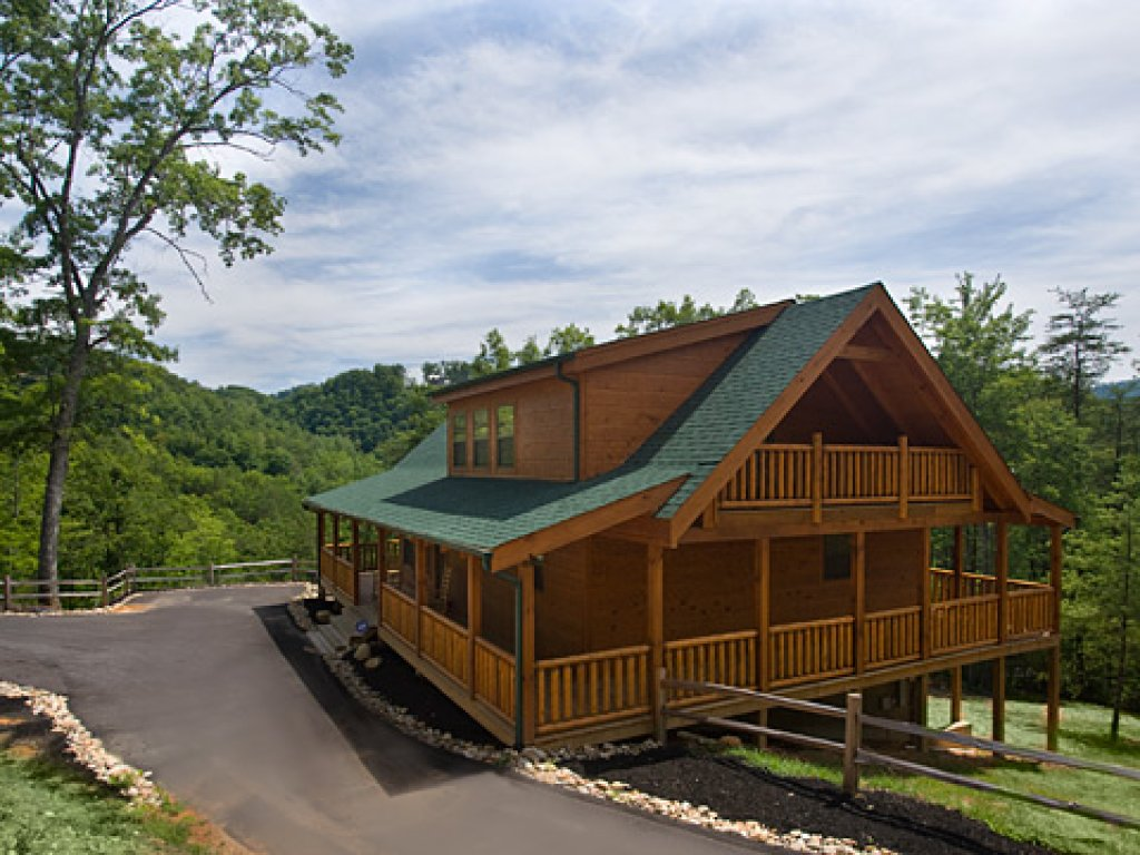 Photo of a Pigeon Forge Cabin named Peace Of Mind - This is the thirty-third photo in the set.
