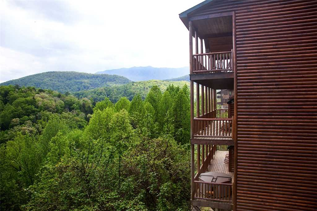Photo of a Gatlinburg Cabin named Papa Bear - This is the thirty-fifth photo in the set.