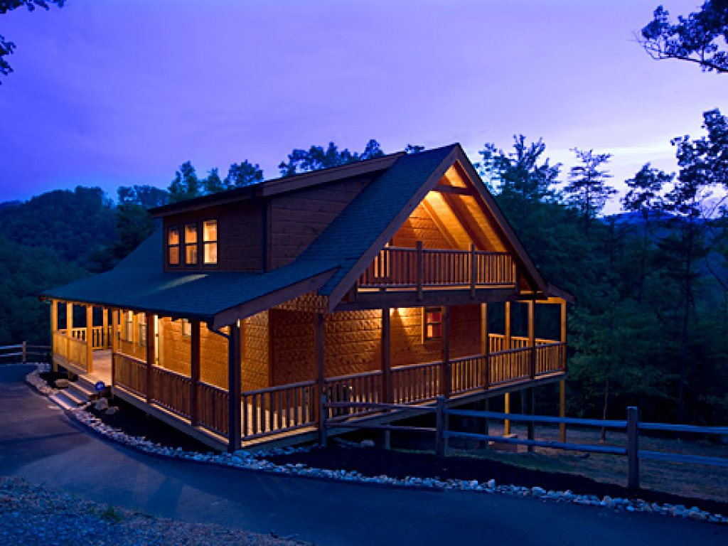 Photo of a Pigeon Forge Cabin named Peace Of Mind - This is the first photo in the set.