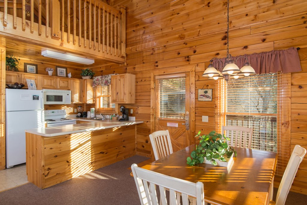 Photo of a Pigeon Forge Cabin named Raven's Nest At Sherwood Forest - This is the fourth photo in the set.