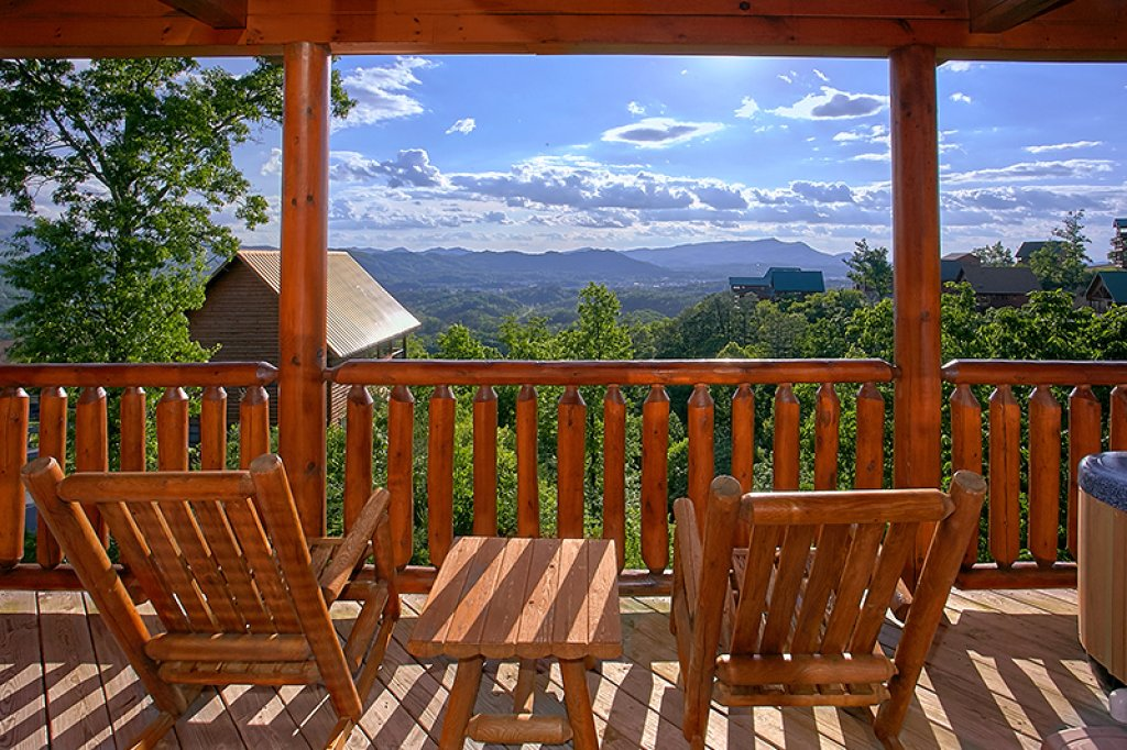 Photo of a Pigeon Forge Cabin named Sweet Surrender - This is the fourteenth photo in the set.