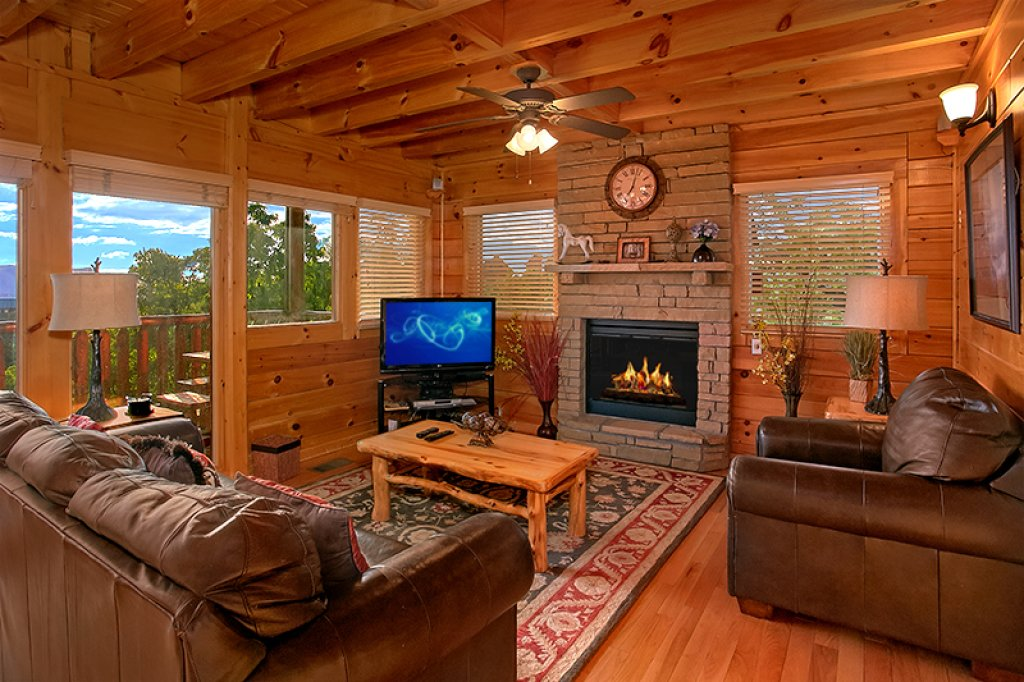 Photo of a Pigeon Forge Cabin named Sweet Surrender - This is the second photo in the set.
