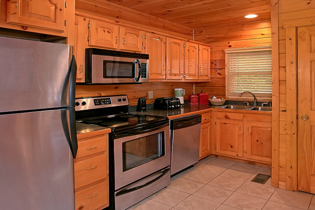 Photo of a Pigeon Forge Cabin named Sweet Surrender - This is the fourth photo in the set.