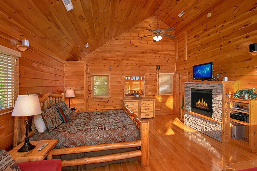 Photo of a Pigeon Forge Cabin named Sweet Surrender - This is the seventh photo in the set.