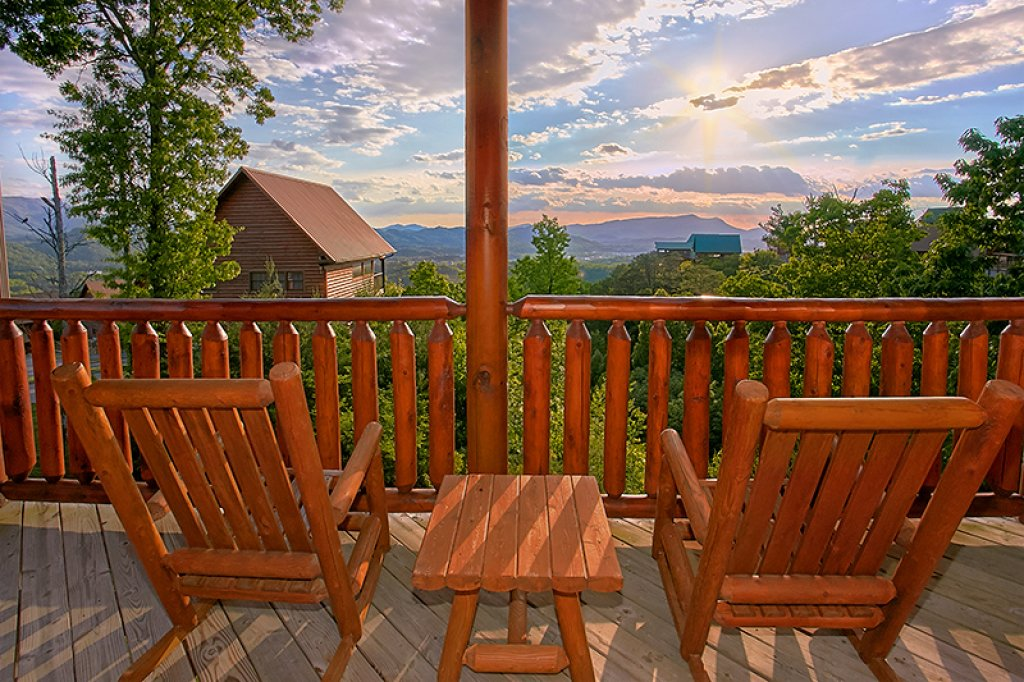 Photo of a Pigeon Forge Cabin named Sweet Surrender - This is the twelfth photo in the set.