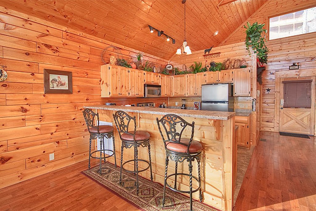 Photo of a Pigeon Forge Cabin named Pleasant View Ridge - This is the fourth photo in the set.