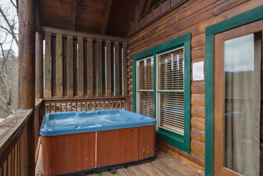 Photo of a Pigeon Forge Cabin named Raven's Nest At Sherwood Forest - This is the fifteenth photo in the set.