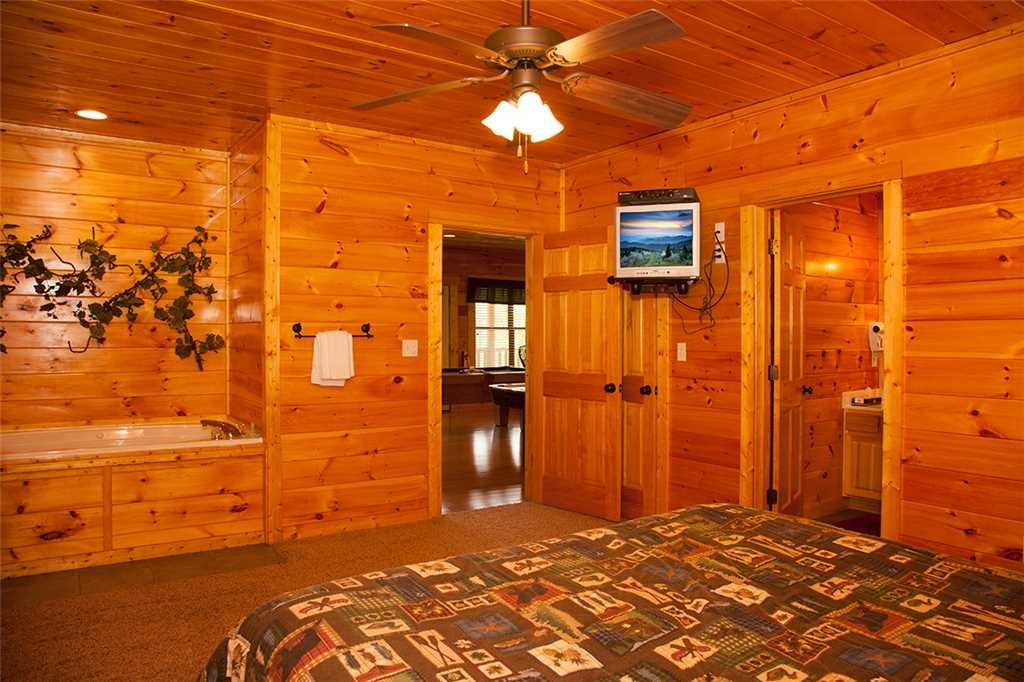 Photo of a Gatlinburg Cabin named Mama Bear - This is the twenty-first photo in the set.
