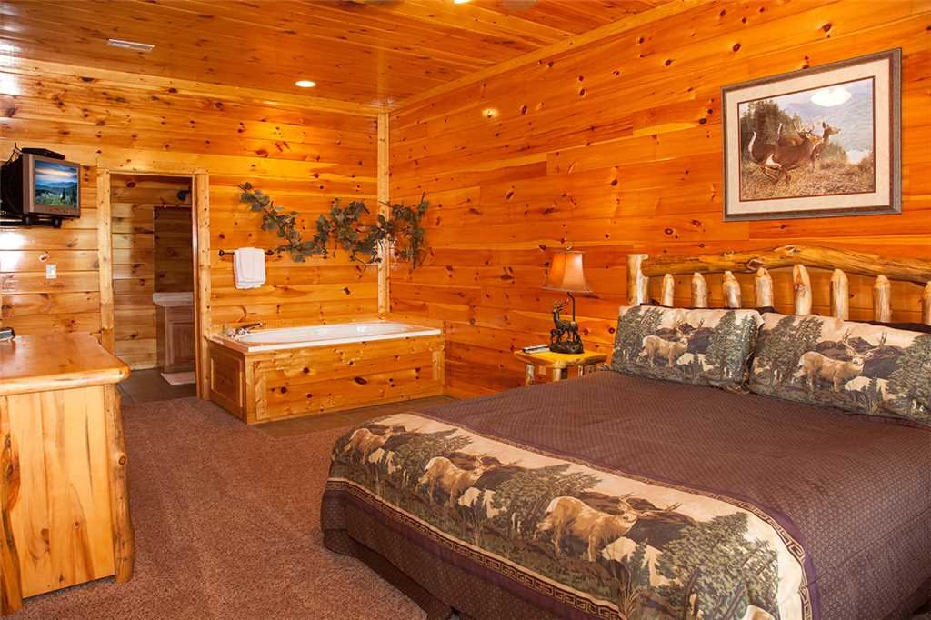 Photo of a Gatlinburg Cabin named Papa Bear - This is the seventeenth photo in the set.