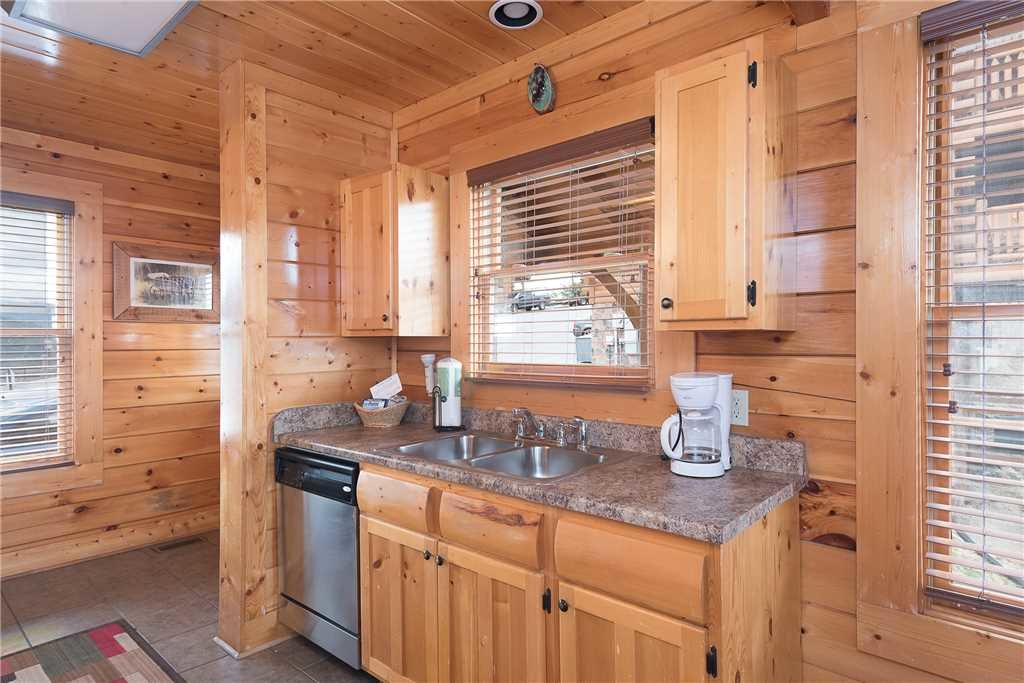 Photo of a Pigeon Forge Cabin named Nature's Paradise - This is the sixth photo in the set.
