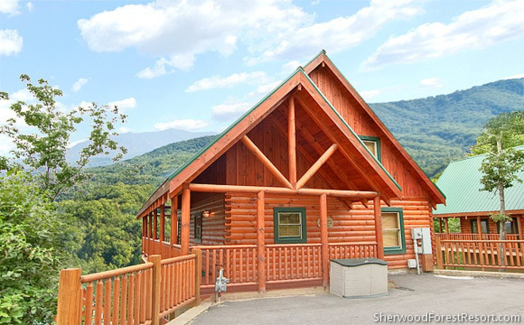 Photo of a Pigeon Forge Cabin named Dancing Bear Lodge - This is the first photo in the set.