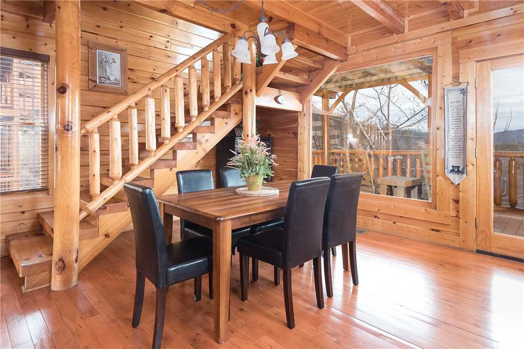 Photo of a Pigeon Forge Cabin named Nature's Paradise - This is the fourth photo in the set.