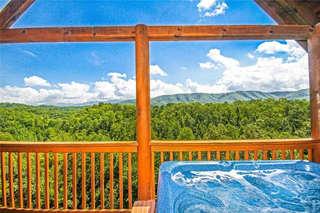 Photo of a Pigeon Forge Cabin named Smoky Mountain Dreams - This is the twelfth photo in the set.