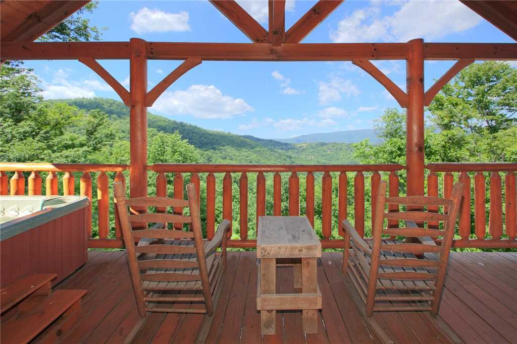 Photo of a Pigeon Forge Cabin named Nature's Paradise - This is the nineteenth photo in the set.