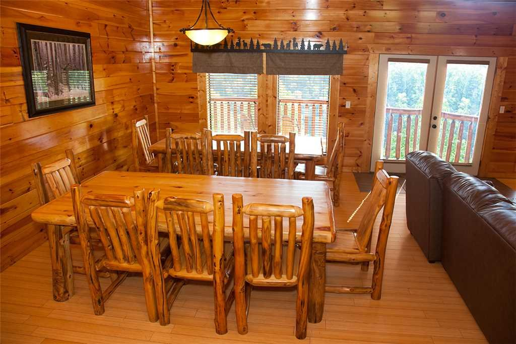 Photo of a Gatlinburg Cabin named Papa Bear - This is the sixth photo in the set.