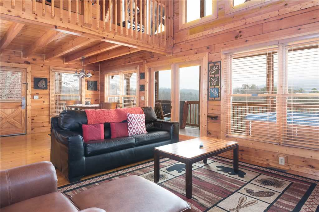 Photo of a Pigeon Forge Cabin named Smoky Mountain Dreams - This is the second photo in the set.