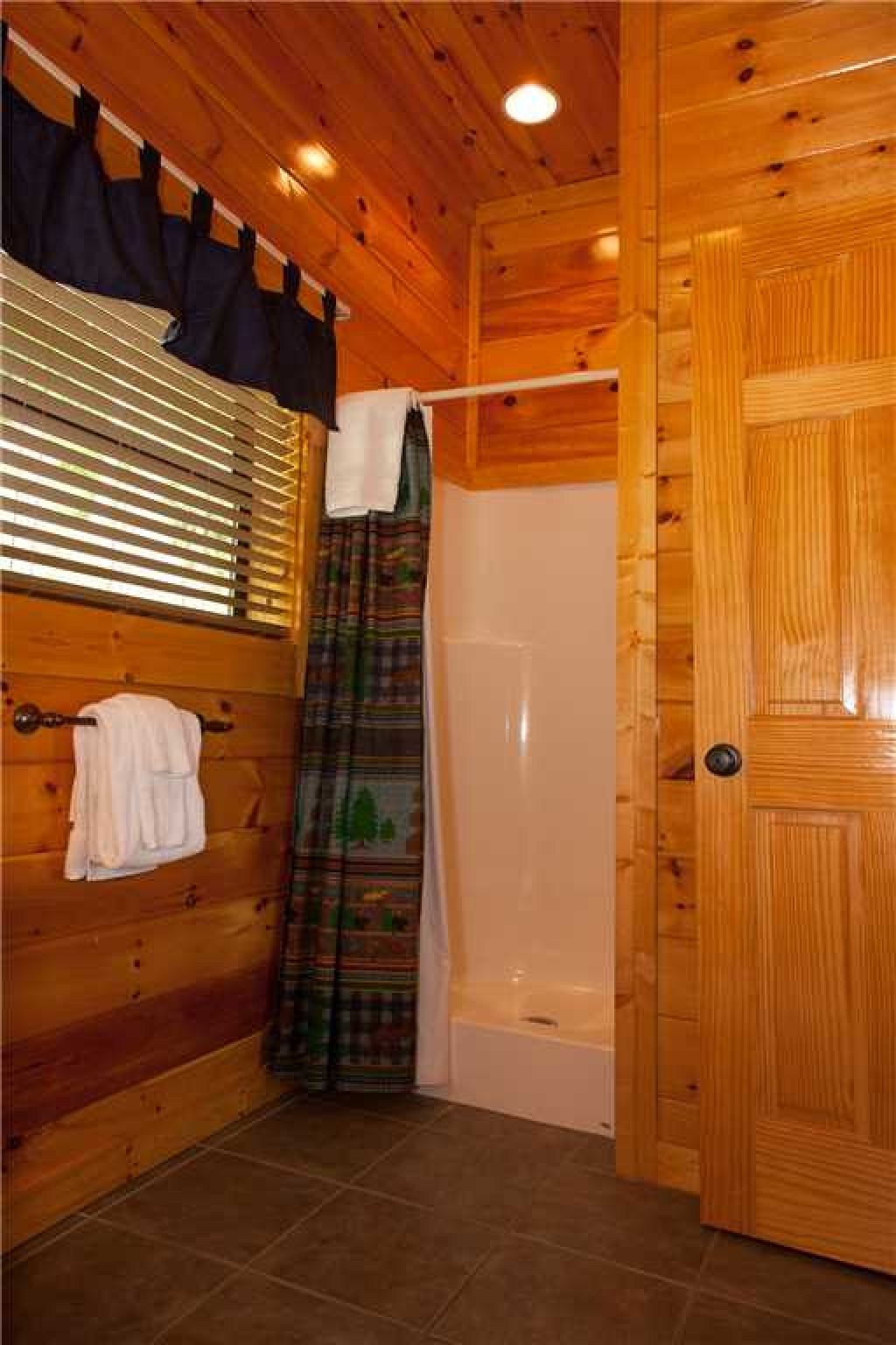 Photo of a Gatlinburg Cabin named Papa Bear - This is the sixteenth photo in the set.