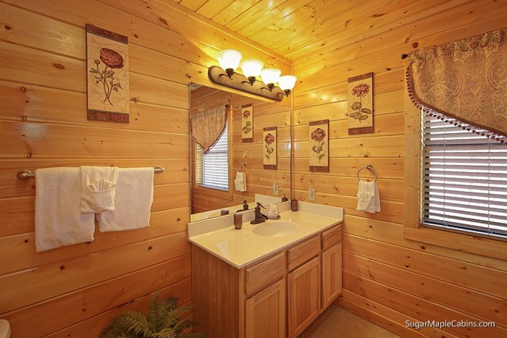 Photo of a Sevierville Cabin named Southern Charm - This is the seventeenth photo in the set.