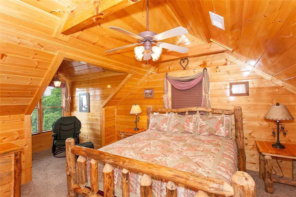 Photo of a Pigeon Forge Cabin named Majestic Sunrise - This is the nineteenth photo in the set.
