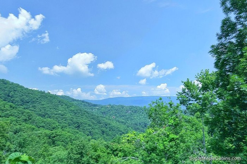 Photo of a Pigeon Forge Cabin named Nature's Paradise - This is the twentieth photo in the set.
