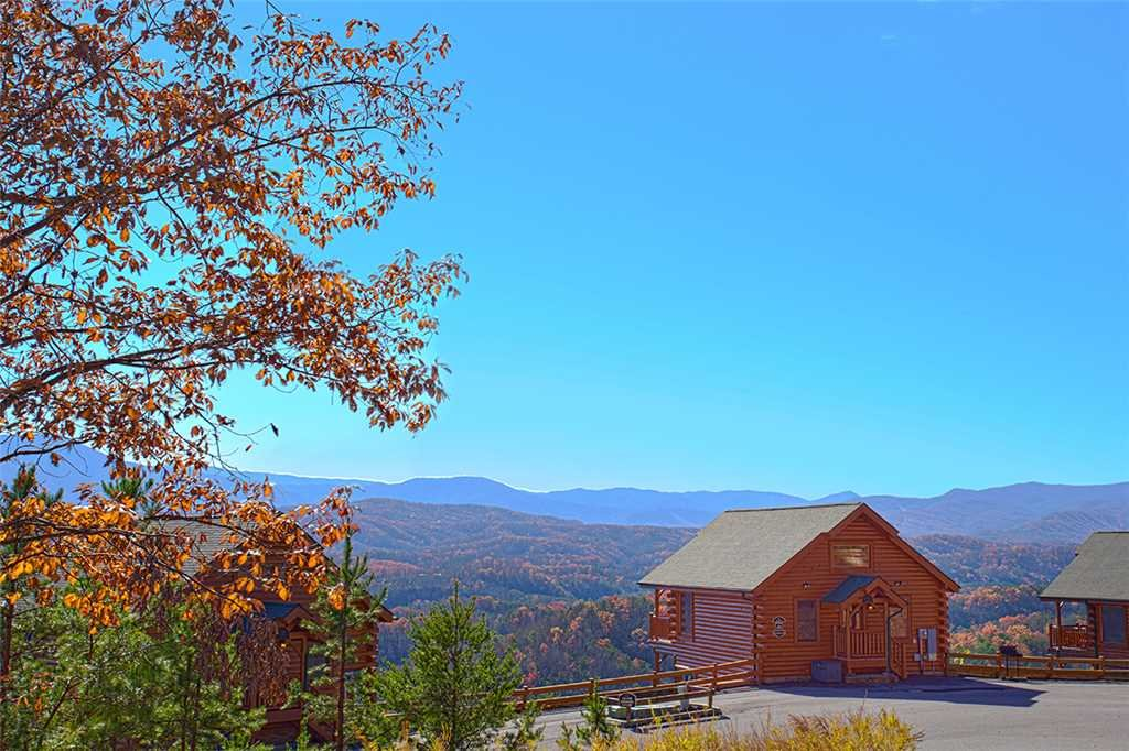 Photo of a Pigeon Forge Cabin named Spellbound - This is the seventeenth photo in the set.