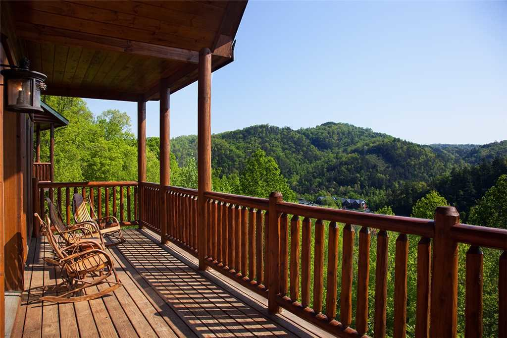 Photo of a Gatlinburg Cabin named Papa Bear - This is the thirty-fourth photo in the set.