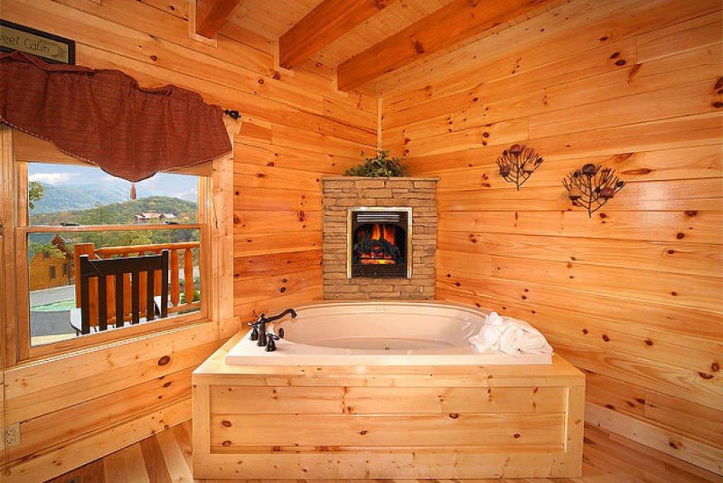 Photo of a Pigeon Forge Cabin named Splish Splash - This is the eleventh photo in the set.
