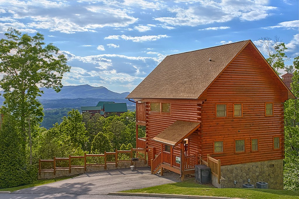 Photo of a Pigeon Forge Cabin named Sweet Surrender - This is the sixteenth photo in the set.