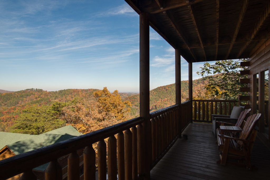 Photo of a Pigeon Forge Cabin named Theatre In The Mountains - This is the thirty-fourth photo in the set.