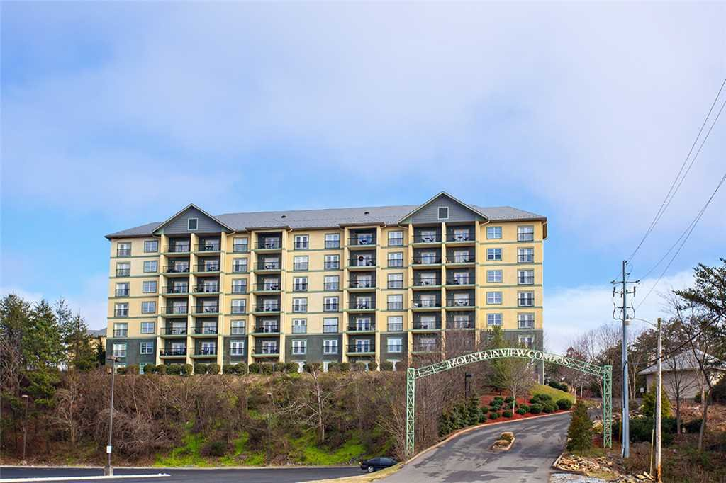 Photo of a Pigeon Forge Condo named Mountain View 2102 - This is the sixteenth photo in the set.