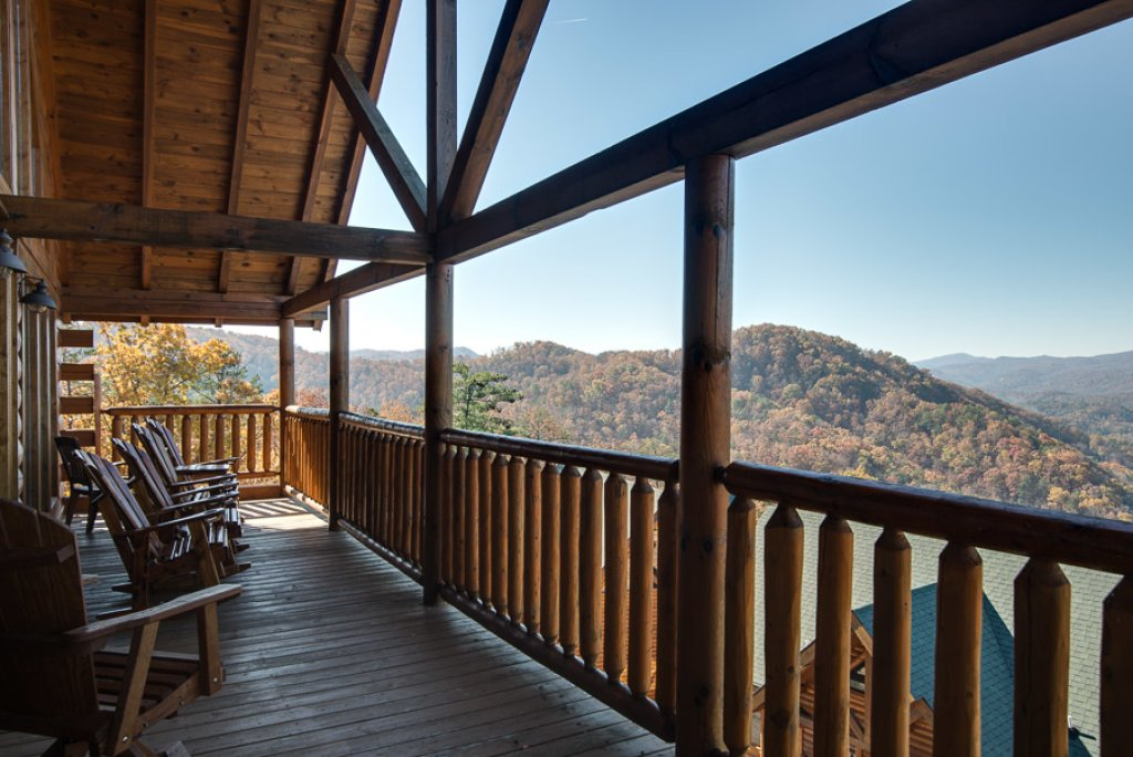 Photo of a Pigeon Forge Cabin named Theatre In The Mountains - This is the thirty-second photo in the set.